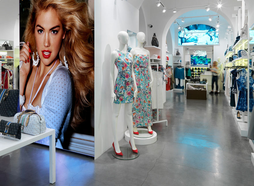 GUESS ITALIA Srl In More Est Store