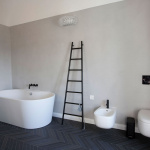 bagno-bathroom-cement-resin-wall-white